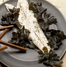 recette bar loup de mer lit d'algues goémon vapeur